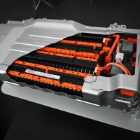 Nov litij-ionski akumulatorski sklop zmore shraniti več energije in je 20 kg lažji.