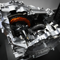 e-CVT menjalnik s planetnim gonilom spada med najbolj zanesljive samodejne menjalnike v celotni industriji in je eden ključnih strojnih elementov hibridnega pogona, ki ga Toyota razvija že več kot dve desetletji.