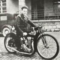 Legenda jugoslovanskega dirt tracka Ludvik Starič - Leteči Kranjec na motorju JAP (Breznik - iz zbornika ob petdeseti obletnici speedwaya v Ljubljani)