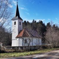 Povezava mimo cerkve sv. Martina v Godveju proti Prekopi in Stropniku je že iz časov Žovneških, saj so ti imeli tu dostope na območje prehodov proti Kamniku in Trojanam.