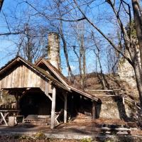 Ruševine lovskega gradu – Stolpa ob Paki (Pakenštajn)