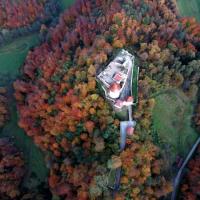 Žovneški grad iz zraka. Foto: Kralj