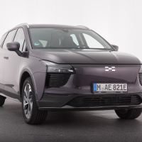 Aiways U5 premium. Cena avtomobila (v Nemčiji): 38.480 evrov, sistem Auto Parking System je v serijski opremi.