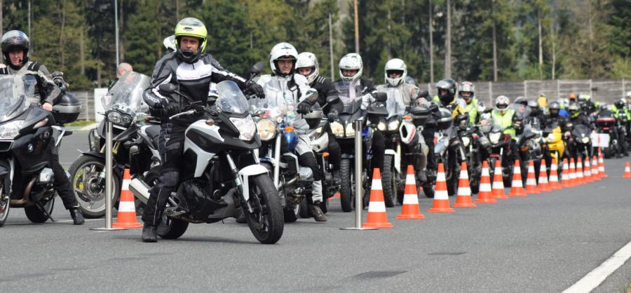 Včeraj se je na brezplačnem preventivnem dogodku Motoristi, zapeljite v novo sezono pripravljeni zbralo skoraj 500 motoristov iz vse Slovenije.