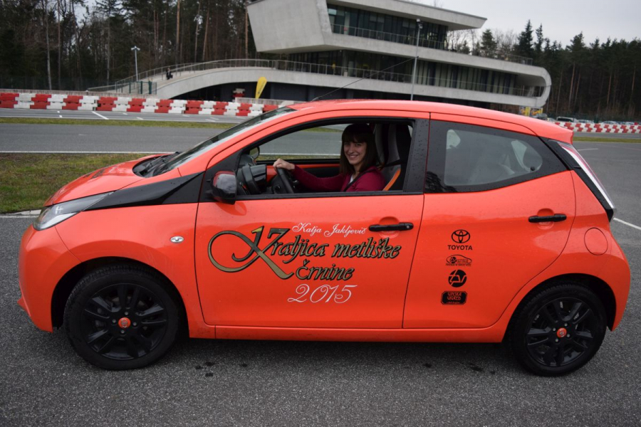 Katja Jakljevič, kraljica metliške črnine, o dodatnem usposabljanu za voznike začetnike