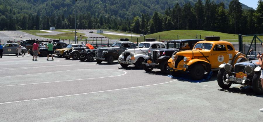 Do Slovenije traja rally že 31 dni, tako da se je število posadk do zdaj že nekoliko zmanjšalo.