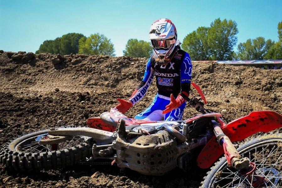 Gajser se zahvaljuje motorju, ki ga je pripeljal do naslova svetovnega prvaka