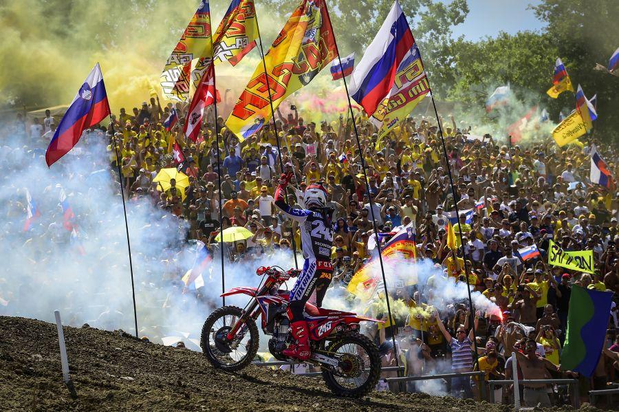 Slovenski navijači, ki bodrijo Tima Gajserja, bodo tokrat pesti stiskali za slovensko motokros reprezentanco (foto Youthstream)