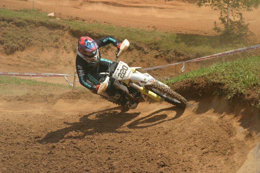 Jaka Završan je suvereno dobil prvo dirko državnega prvenstva v razredu MX2.