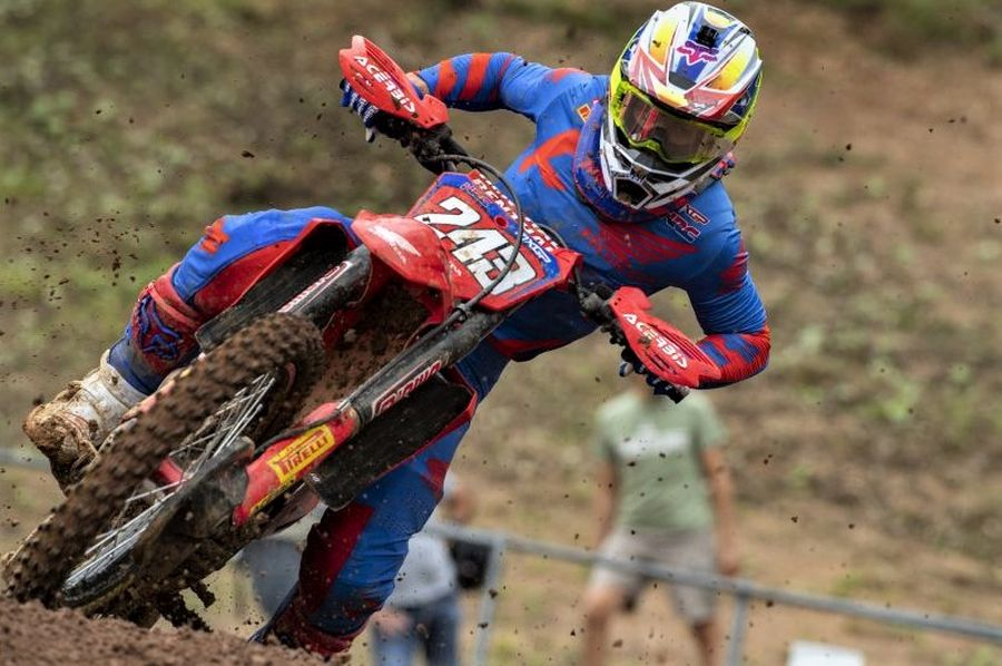 Gajser je v razredu MXGP na treh dirkah zbral 124 točk in je na prvem mestu v skupnem seštevku točkovanja za svetovno prvenstvo.