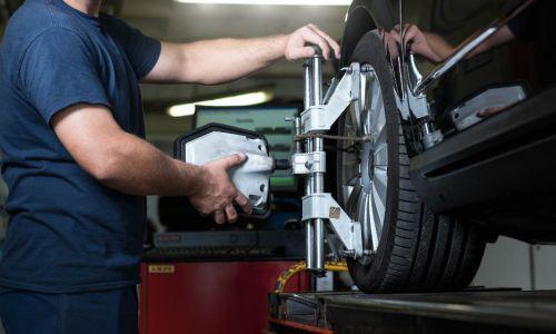 To soboto podaljšan delovni čas za menjavo pnevmatik