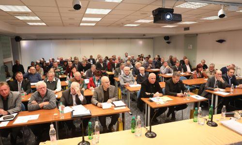 Avto-moto zvezo Slovenije bo še naprej vodil Anton Breznik