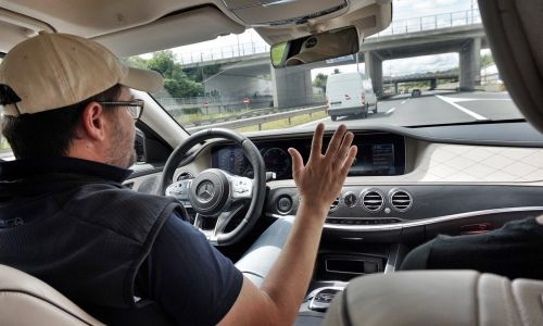 Avtonomna vožnja: s poligona na odprto cesto