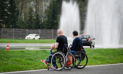 Za varnejšo mobilnost voznikov invalidov