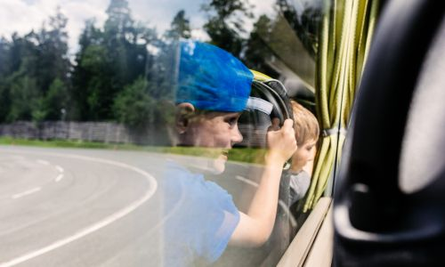 Pred začetkom šolskega leta: varen prevoz otrok v šolskih avtobusih