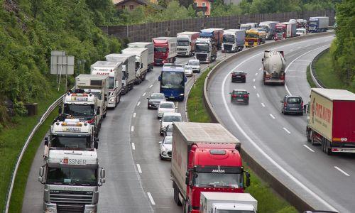 Evropska direktiva o cestninjenju naj ne bi ukinjala vinjetnega sistema