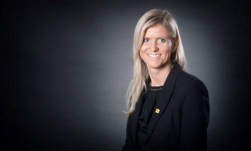 Direktorica AMZS Lucija Sajevec med poslovnimi liderkami leta