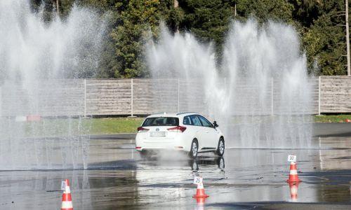 Vozniška usposabljanja po novem mogoča ob predložitvi negativnega testa