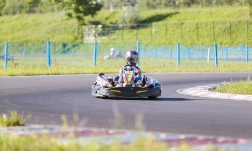 #DameDirkajo: anketa za dame v motošportu in kartingu