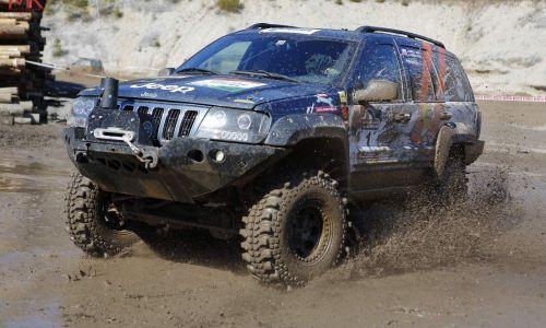 AMZS inštruktor varne vožnje Janez Marolt zmagovalec offroad dirke za državno prvenstvo