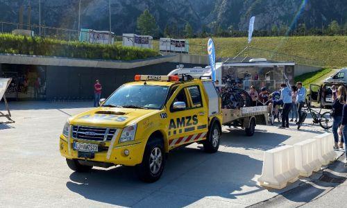 AMZS tudi letos spremljal Miho Dežalaka na dobrodelni poti po Sloveniji