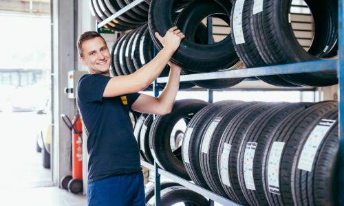 Z menjavo zimskih pnevmatik ni treba hiteti
