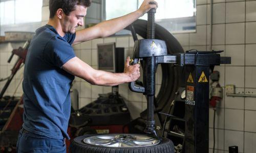 Menjava pnevmatik lahko počaka