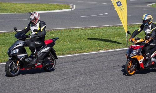 ABS in varnost lahkih motociklov