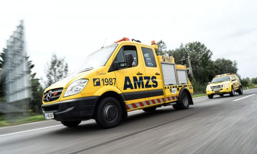 Pomoč na cesti in vleko vozil v AMZS izvajamo 24/7