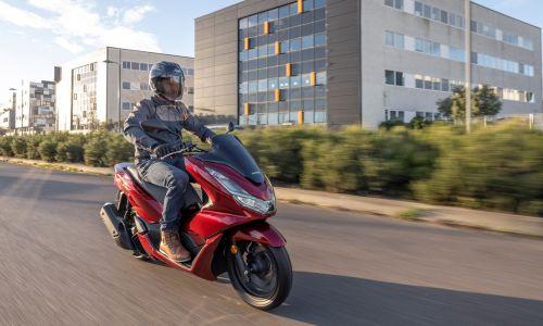 AMZS raziskava: Vsi na (motorno) kolo za zdravo okolje?