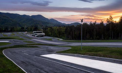 10 let AMZS Centra varne vožnje na Vranskem