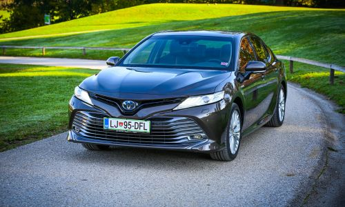 Test: Toyota camry 2.5 HSD executive