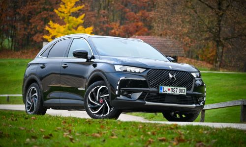 Test: DS 7 crossback performance line plus e-tense 4x4 EAT8