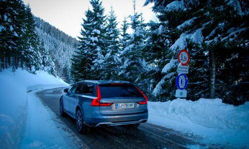 Počitniška mobilnost: varno na sneg