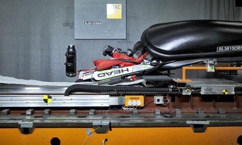 AMZS test sedmih strešnih kovčkov