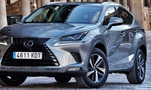 Za volanom: lexus NX in CT