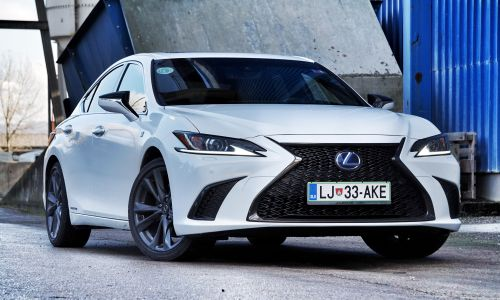 Test: Lexus ES 300h F-sport
