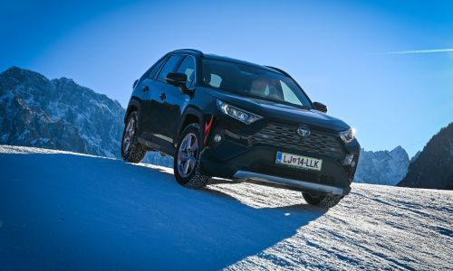 Supertest: toyota RAV4 2,5 HSD AWD executive tech - 6. del