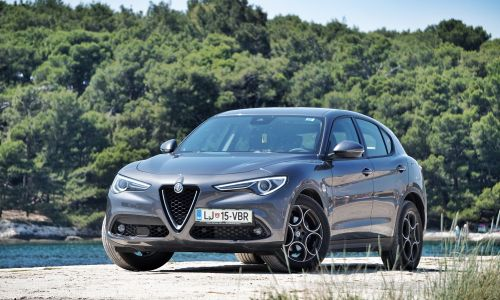 Kratek test: Alfa romeo stelvio 2.2 D 16v 180 AT8 business