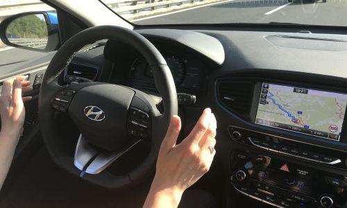 Supertest: Hyundai ioniq 1,6 GDI PHEV premium in njegovi varnostni ter vozniški pripomočki