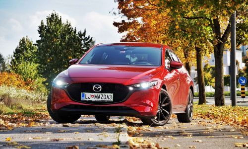 Kratek test: Mazda 3 X180 GT plus