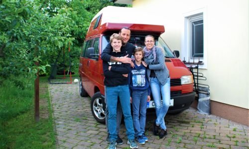 #Srečanja: 1000 kilometrov od doma
