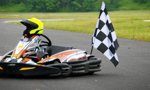 Nov AMZS karting in moto športni center