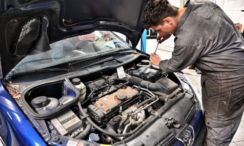 Pravni nasveti: Odgovornost avtomehanikov in naše pravice