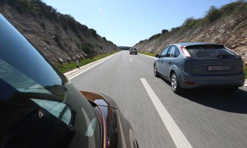 Prehitevanje, eden najnevarnejših vozniških manevrov