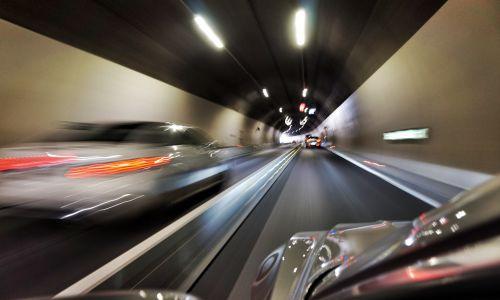 Promet: Dela na vseh koncih Slovenije ... Kje lahko pričakujete zastoje?