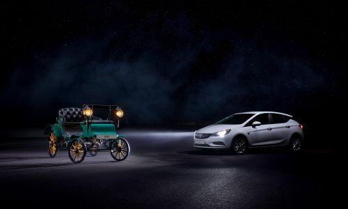 Oplovih 120 let skozi razvoj avtomobilskih žarometov