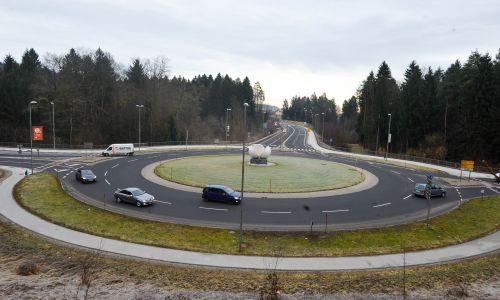 Smo Slovenci res tako slabi vozniki, da se ne znamo peljati v krogu?