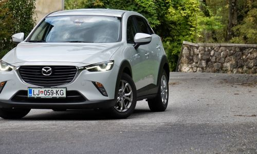 Kratek test: Mazda CX-3 G120 attraction