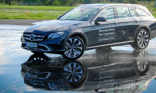 Mercedesov praktični prikaz napredne avtomobilske pameti